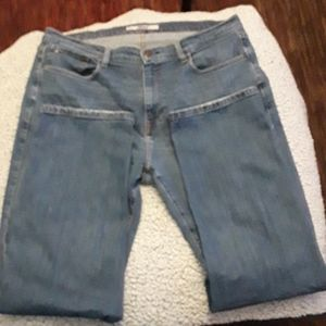 Tommy Hilfiger mens 36/32 relaxed jeans
